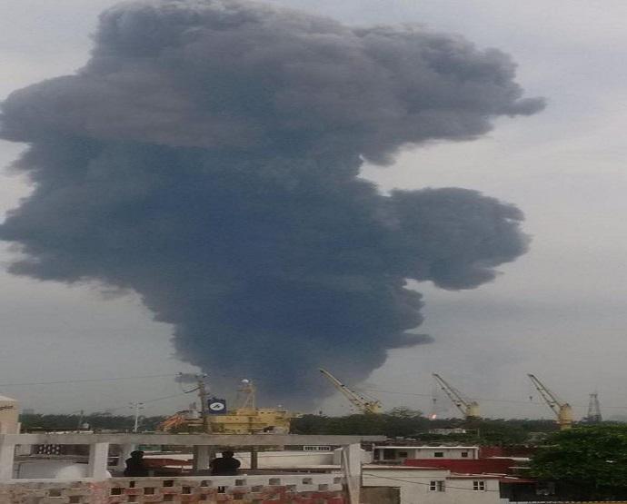 Atiende PC fuerte explosión en Complejo Petroquímico Pajaritos