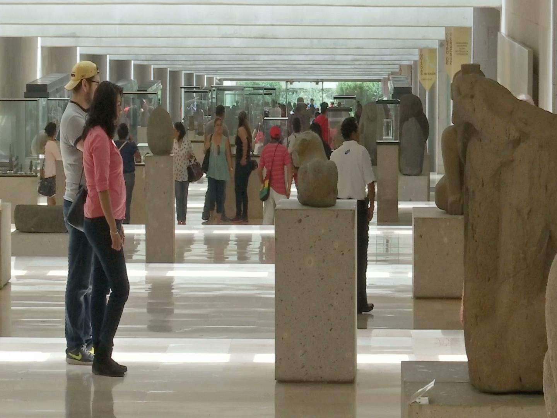 Familias disfrutaron recorridos gratuitos en el Museo de Antropología de Xalapa