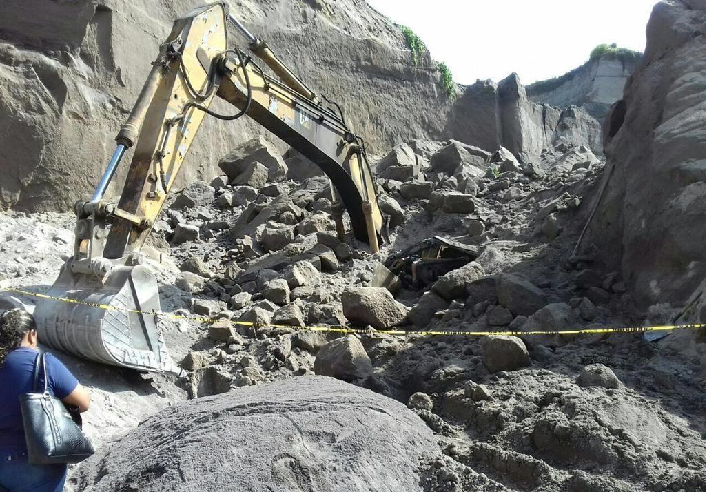Muere trabajador sepultado en arenal de Carrillo Puerto