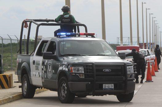 Captura Fuerza Civil a 5 individuos; asegura armas largas y vehículo robado