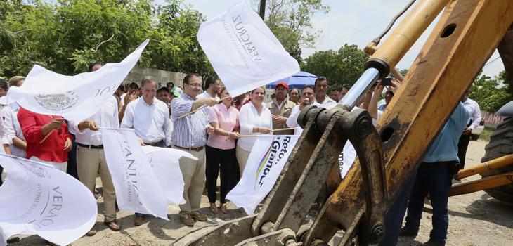 Dan SEDESOL y Gobierno del Estado banderazo de inicio a obra de pavimentación en Pánuco