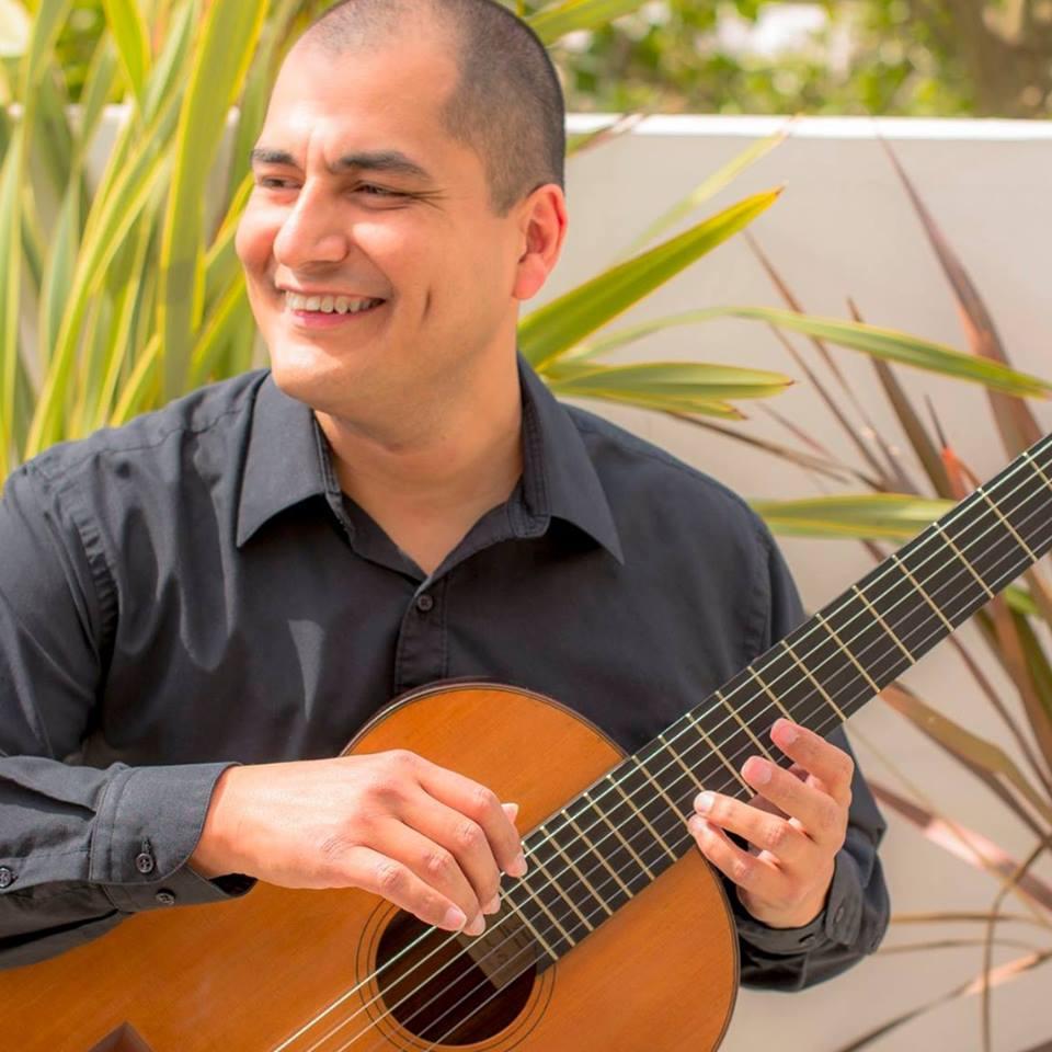 Ensamble Clásico de Guitarras y UV rinden tributo al maestro Sergio Pérez Salas