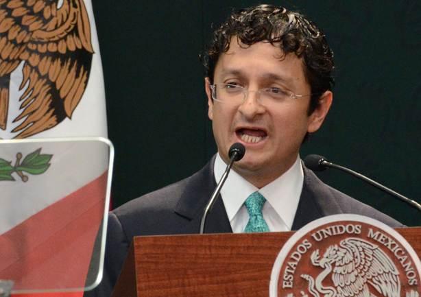 Renuncia Virgilio Andrade a la Secretaria de la Función Pública