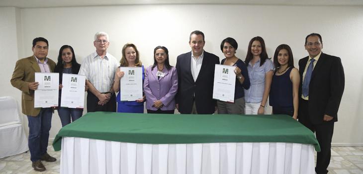 Reciben Distintivo M empresas de Xalapa, Jalcomulco y Actopan
