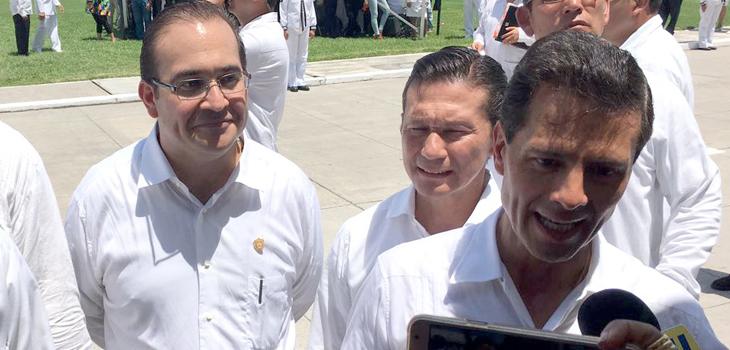 Acompaña Gobernador al Presidente Peña Nieto durante graduación de 132 guardiamarinas