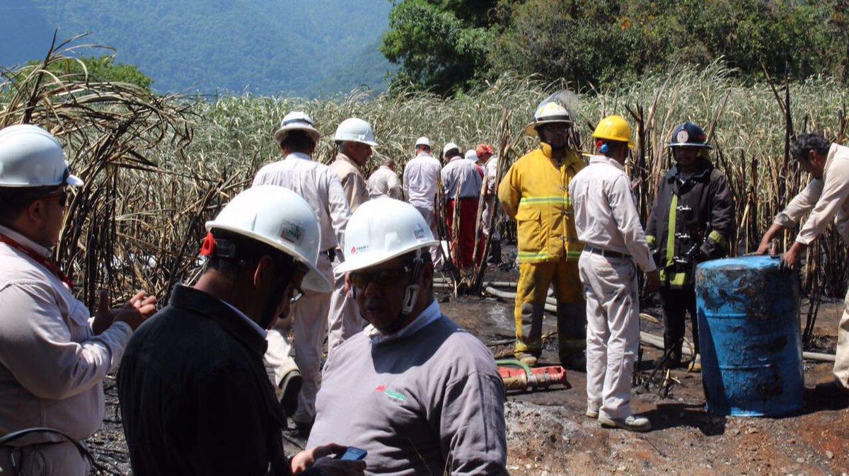 Toma clandestina, probable  causa de explosión en ducto de Pemex en Amatlán