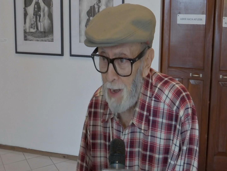 Homenajea IVEC al artesano Juvenal González