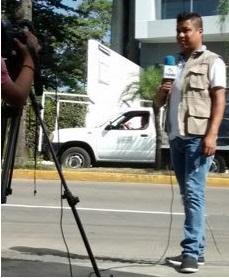 Manifestantes agreden a reportero en Tetelcingo