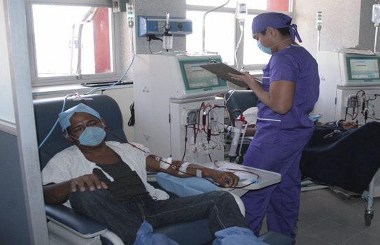 Se reanuda servicio de hemodiálisis en hospitales de la SS