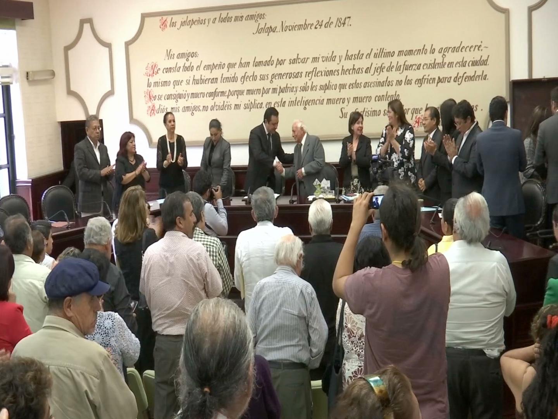 Ayuntamiento de Xalapa homenajea al escultor Ignacio Pérez Solano