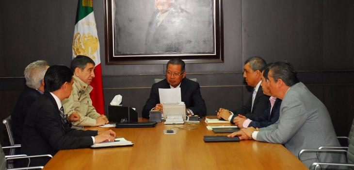 Gobernador se reúne con titulares de SEFIPLAN y Contraloría