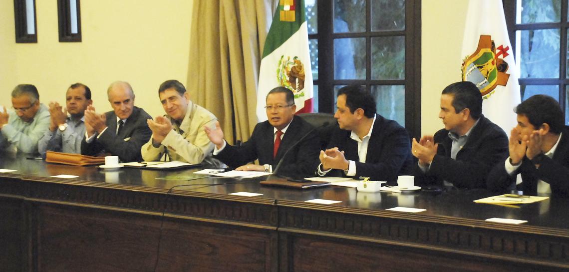 Se reúne Gobernador Flavino Ríos con 95 alcaldes de Veracruz