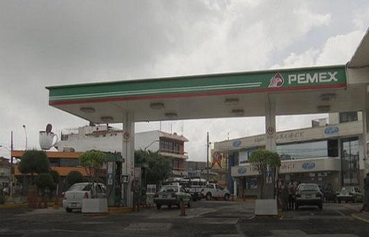 Profeco realiza operativo en gasolineras de Xalapa