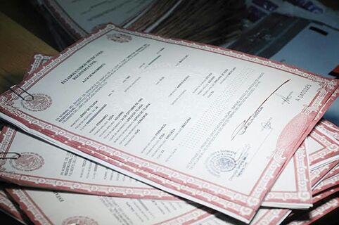 Abastecen de formatos de actas de nacimiento al Registro Civil de Coatzacoalcos