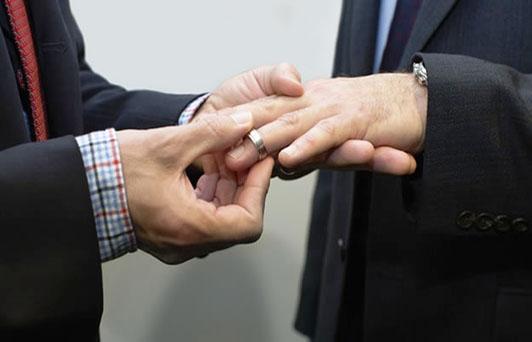 Agenda legislativa de Morena no contempla el matrimonio igualitario