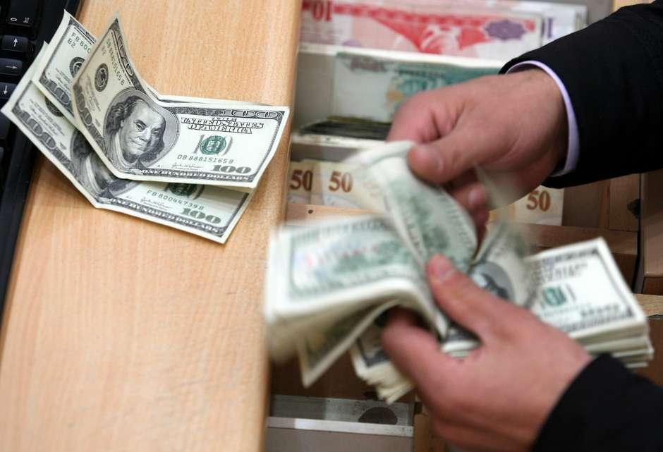 Dólar promedia 19.44 pesos a la venta en aeropuerto capitalino