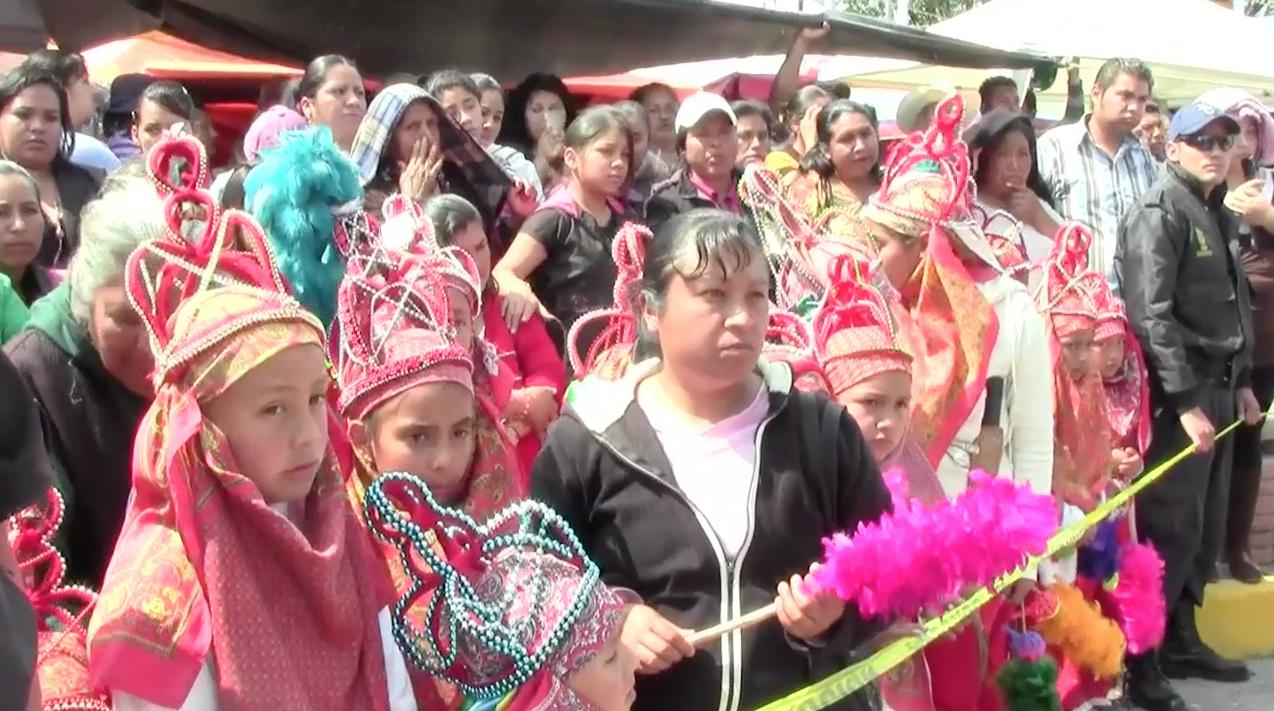 Vestidos, tradición y empleo para mujeres de Huayacocotla