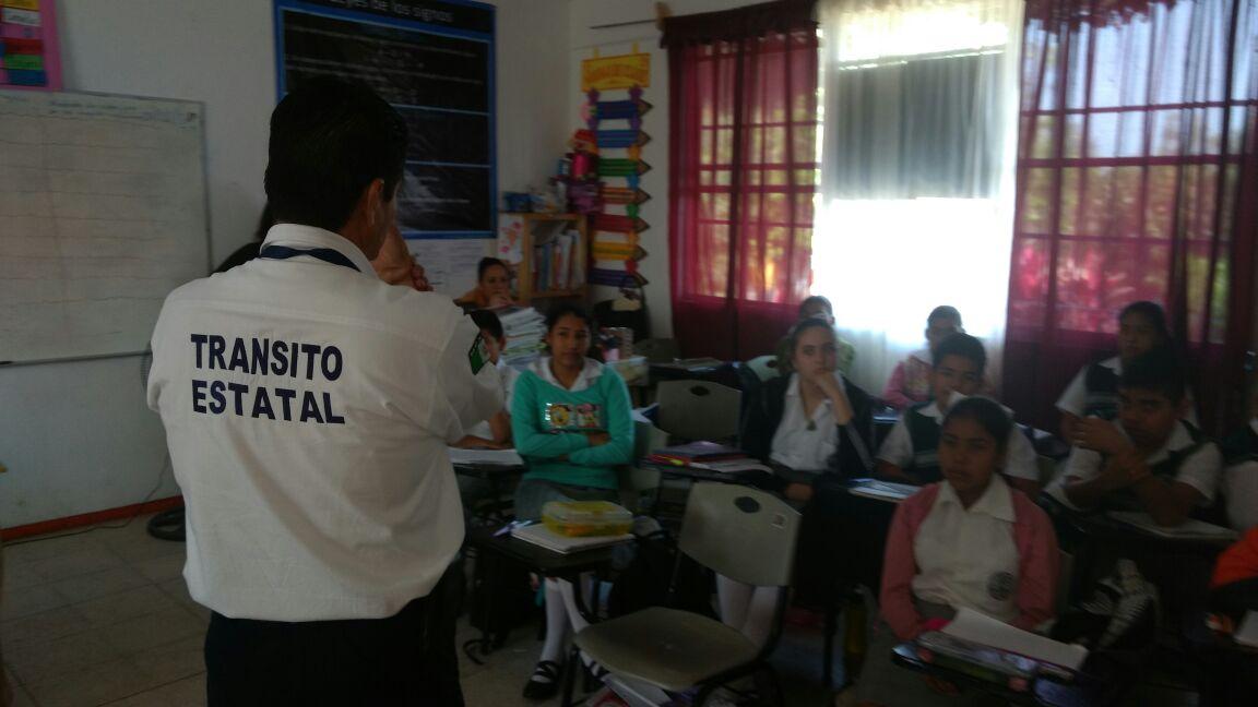Imparten cursos de vialidad en escuelas de Misantla