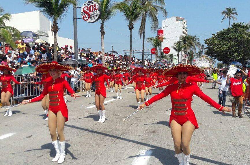 Otorgarán hasta 700 permisos para comerciantes ambulantes en Carnaval de Veracruz