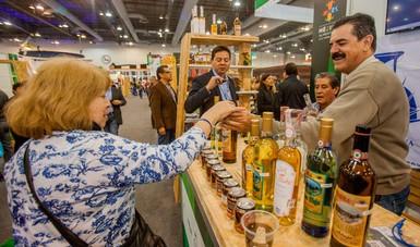 """Comercializan productores tequila """"Hecho en México"""" en 98 países"""