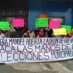Militantes de Morena exigen renuncia de Manuel Huerta por 'vender' candidaturas
