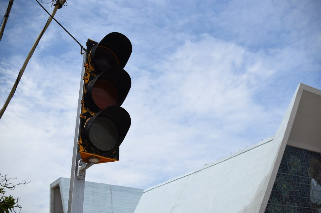 Inicia rehabilitación de semáforos en el primer cuadro del puerto de Veracruz