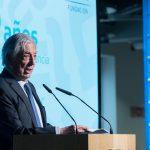 Llama Vargas Llosa a la defensa de México y del idioma español frente a Trump
