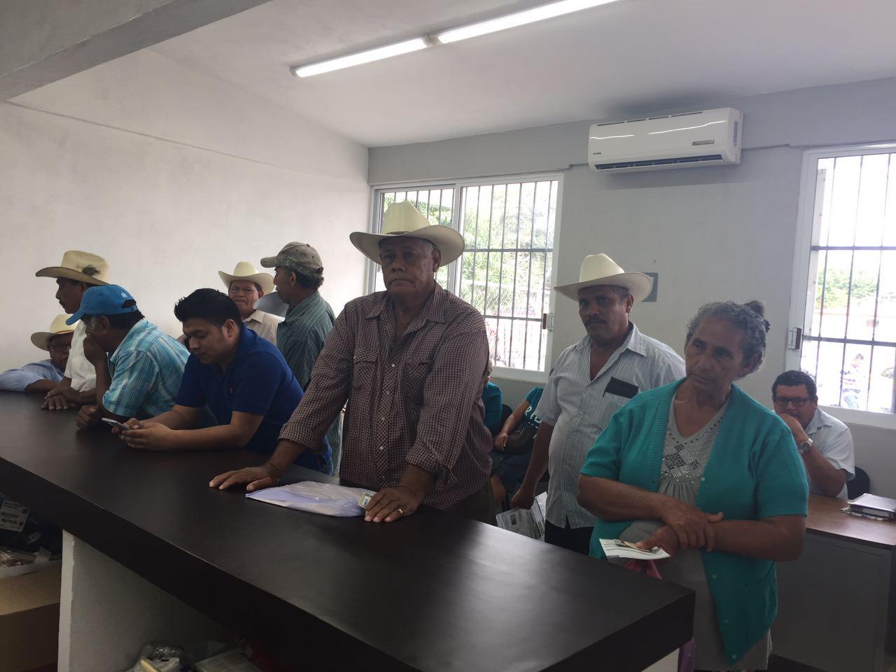 Sagarpa empadrona a productores de Tierra Blanca