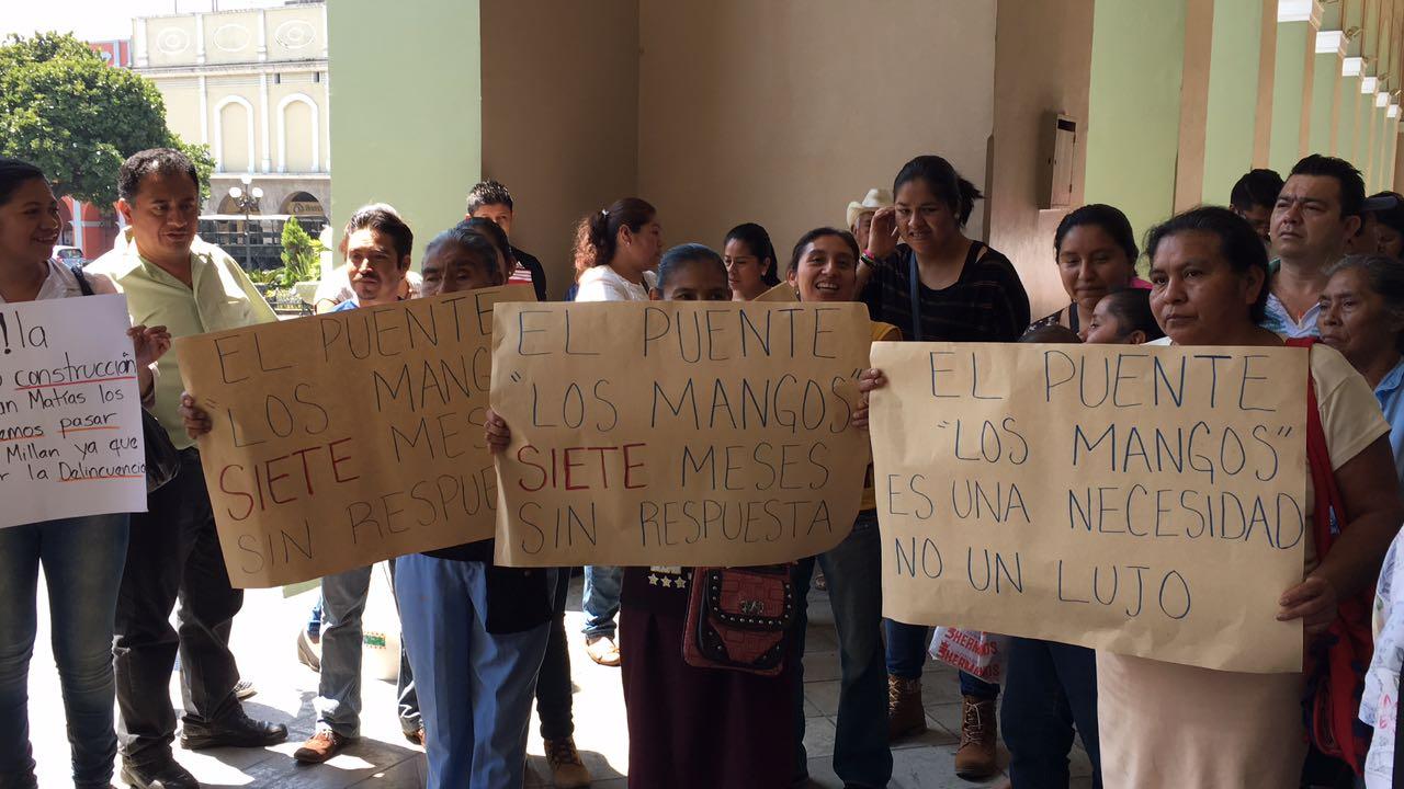 Habitantes de Córdoba exigen reparación del puente Los Mangos