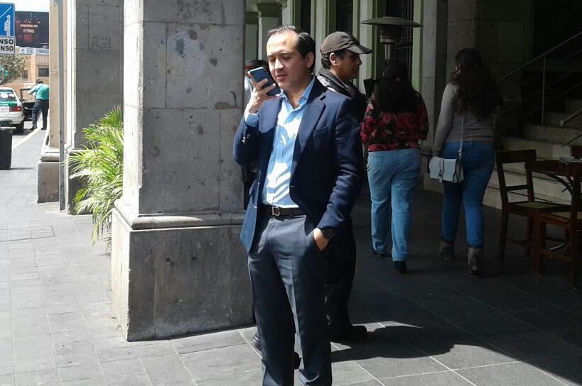 En plena pandemia, alcalde de Veracruz se fue a vacacionar al extranjero y gastar en dólares: Ríos Uribe
