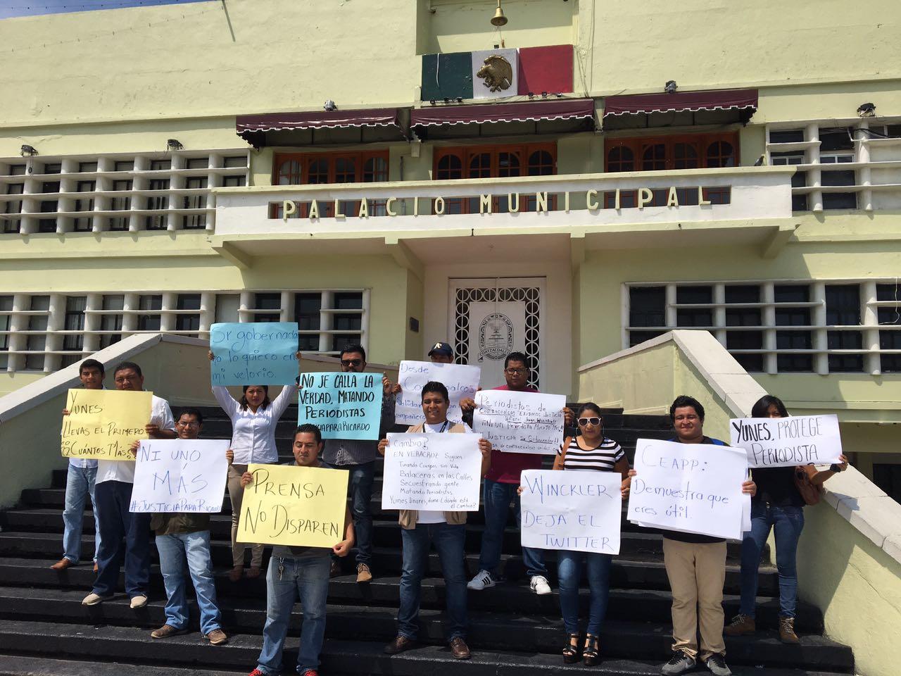 Periodistas de Coatzacoalcos condenan actos de violencia contra comunicadores veracruzanos