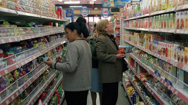 En Tuxpan, Profeco supervisa comercios para evitar abuso en precios de canasta básica