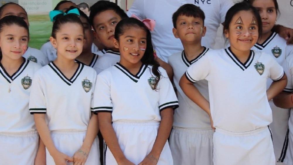 Alumnos del Colegio John F. Kennedy de Pánuco visitaron el CAM 23