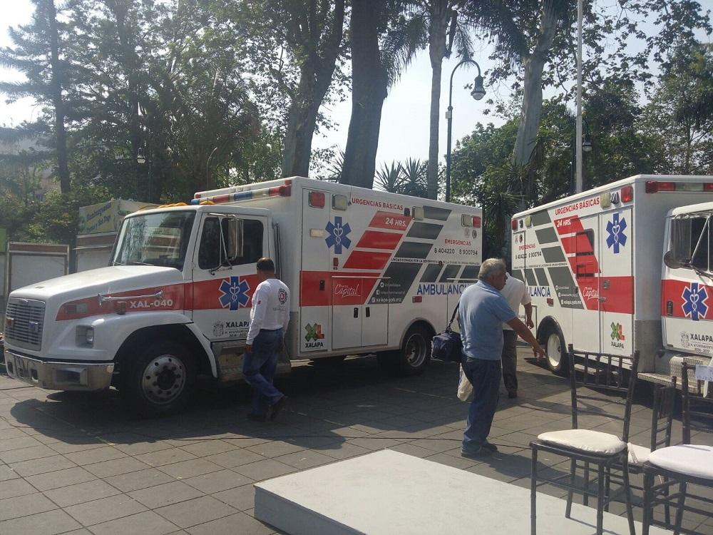 Ayuntamiento de Xalapa recibe cuatro ambulancias de Omaha, EUA