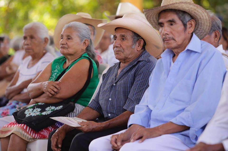 DIF de Martínez de la Torre invita a adultos mayores de 60 años a tramitar su credencial de Inapam