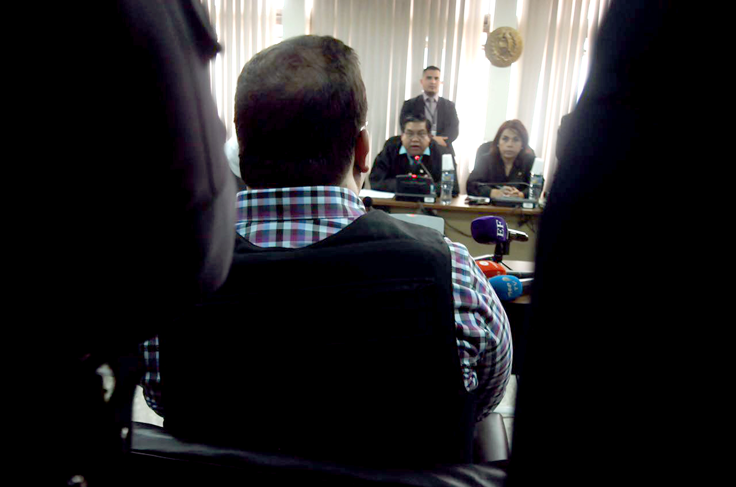Libran orden de aprehensión en contra de Javier Duarte