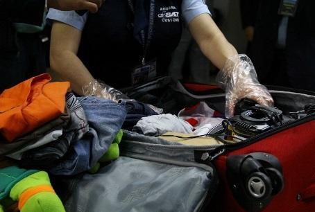 Revisa SAT equipaje a pasajeros