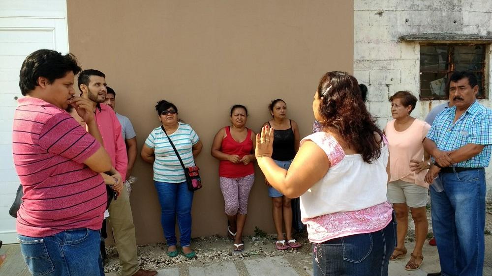 Padres protestan por obra inconclusa en primaria de Coatzacoalcos