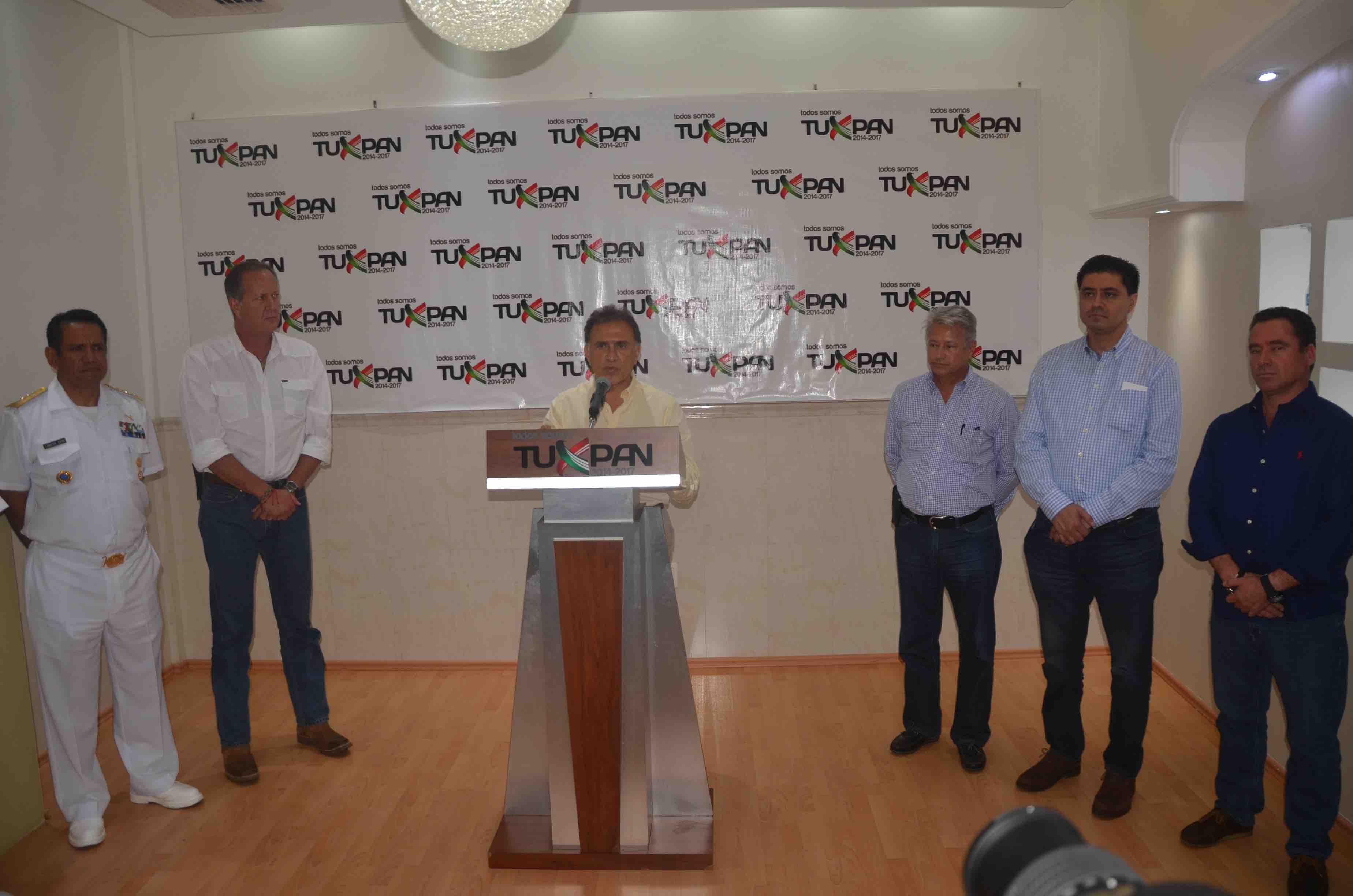 Más de 300 mil turistas disfrutan ya las distintas playas de Veracruz: Gobernador Yunes