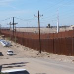 Agentes de migración de EUA detienen a mexicana para deportarla