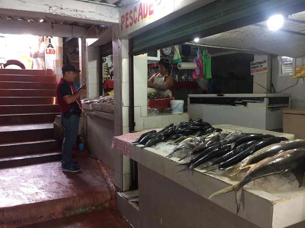 Se desploman ventas en mercado de mariscos de Coatzacoalcos