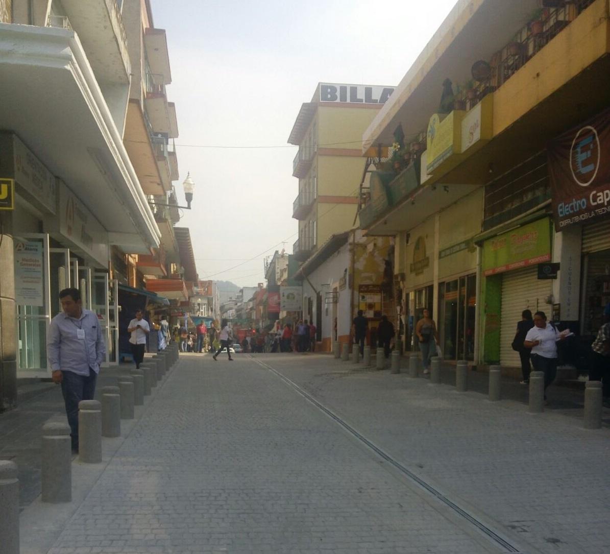En Xalapa, inauguran obra de rehabilitación de calle Primo Verdad