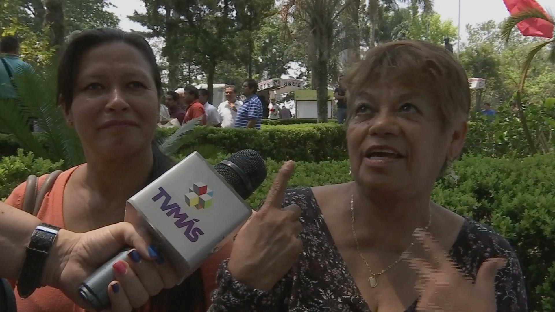 Morena pregona valores que no cumple, opinan xalapeños