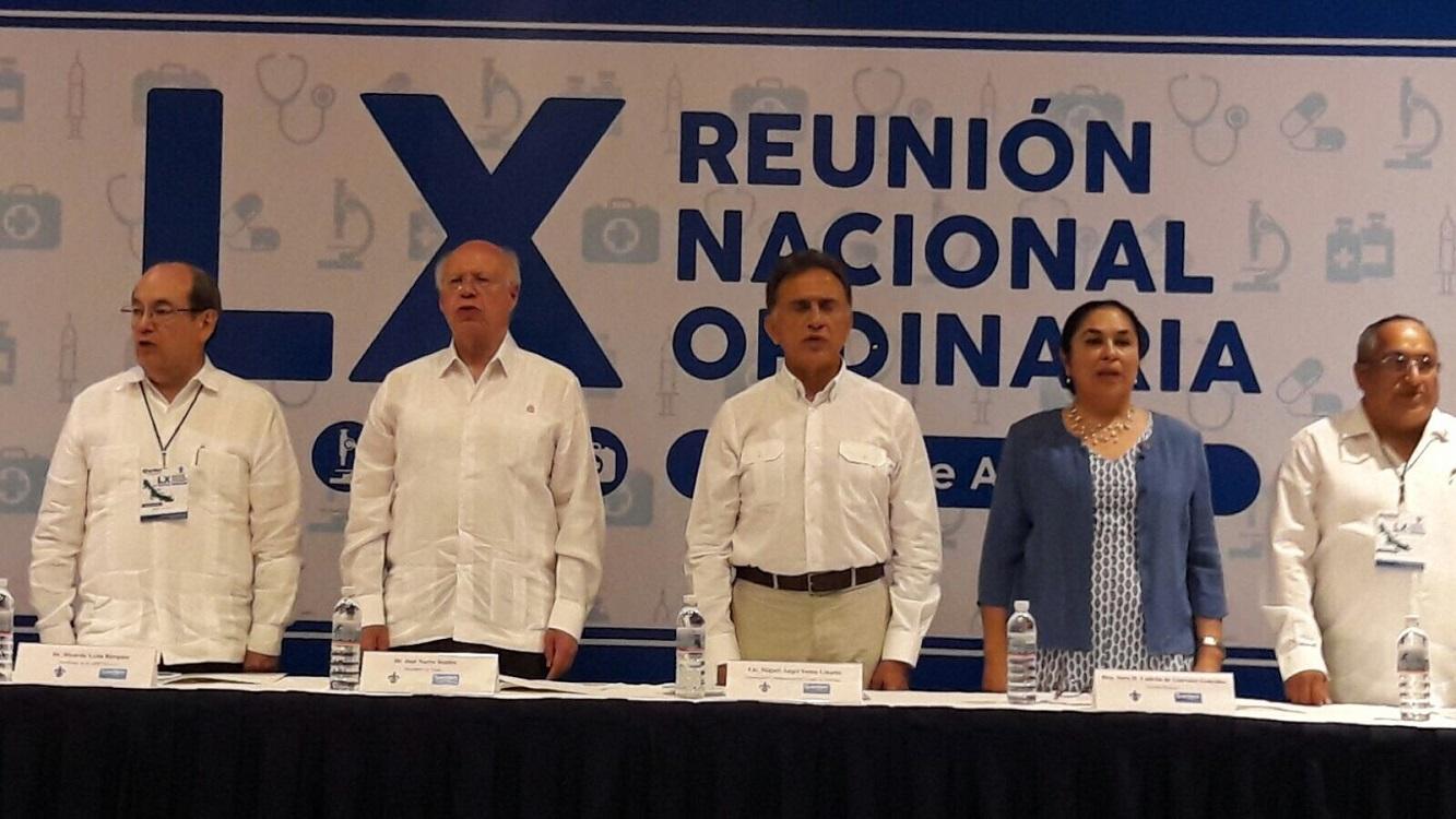 Asisten el gobernador Yunes y el secretario José Narro a la LX Reunión Nacional Ordinaria de la AMFEM