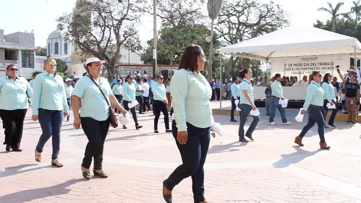 Desfilaron 45 sindicatos en Pánuco, por el Día del Trabajo