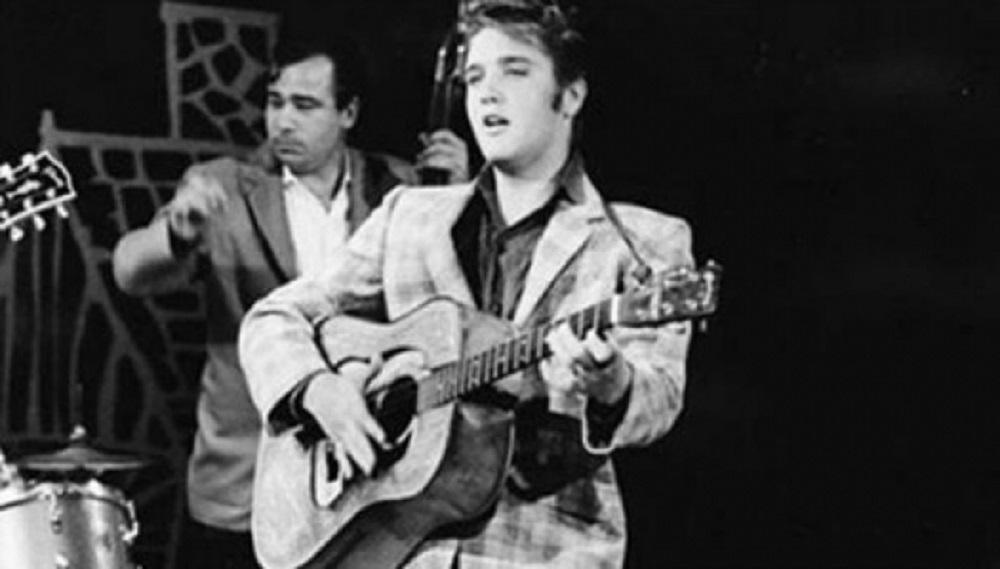 Subastarán en línea el piano preferido de Elvis Presley