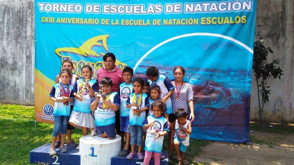 Club de natación Escualos de Minatitlán realiza un torneo de escuelas