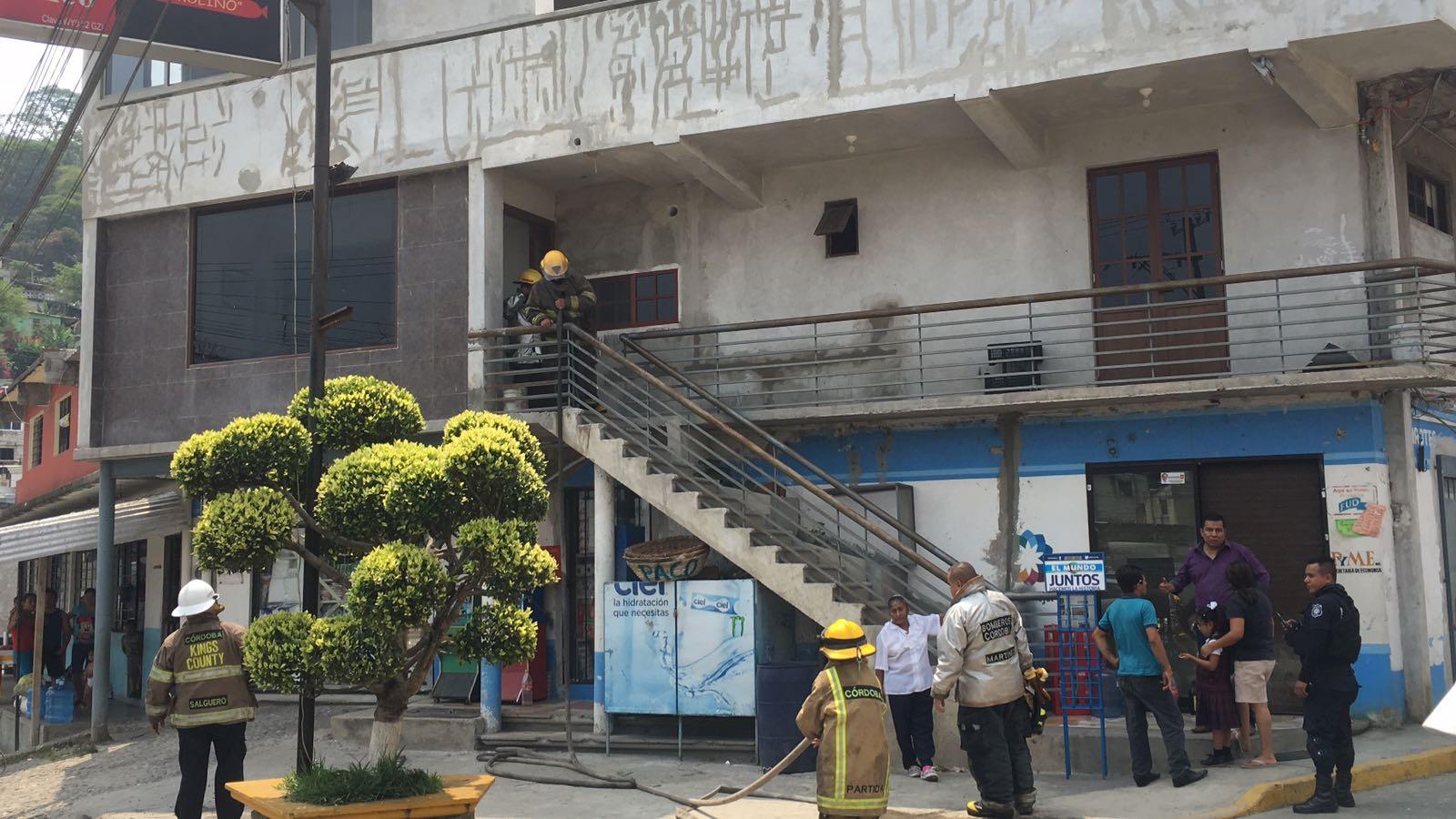 Incendio deja dos lesionados en Córdoba