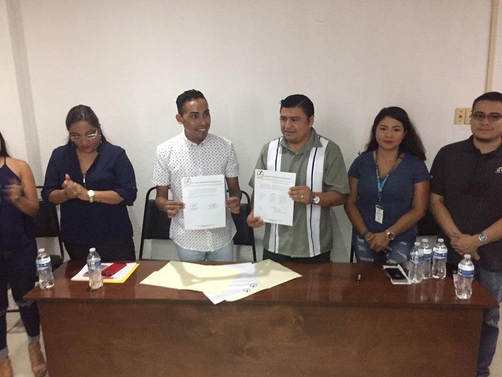 APEC y SUEM firman convenio para que periodistas reciban atención médica