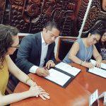 CEAPP y UV firman convenio de colaboración para facilitar la titulación de periodistas